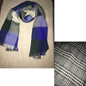 Reversible Winter scarf, with tassels
